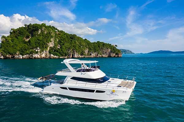 15 Metre Power Catamaran