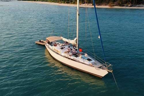 52 foot mono hull sailing yacht